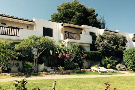 Casa estilo ibicenca con piscina - Santa Eulalia del Río