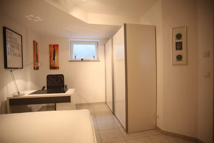 Hübsche Zimmer mit Küche und Bad
