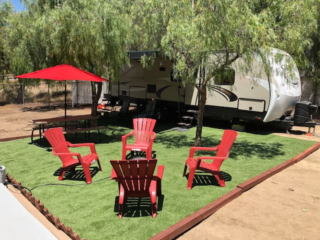Incredible Asbury Wine Country Glamping w/spa/BBQ