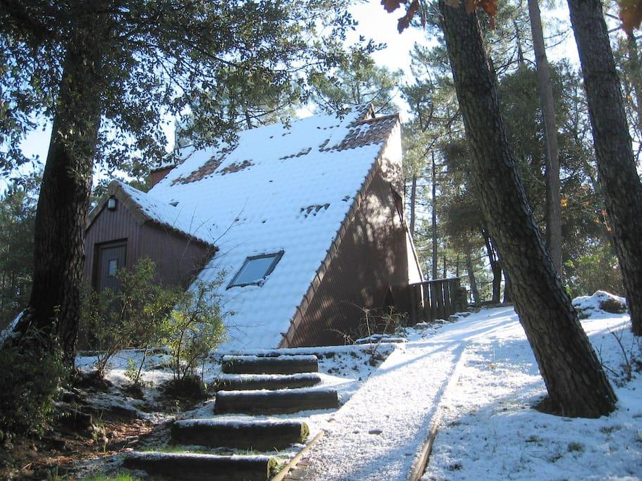 L'accès à la maison, préparez vos skis!