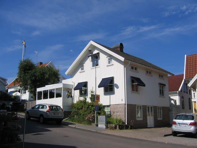 Summer in Kungshamn - Sotenäs S - Appartement