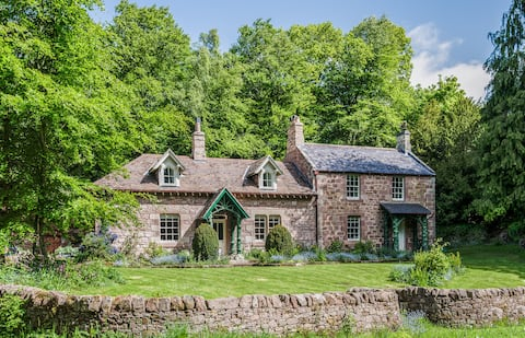 Secluded country cottage B&B