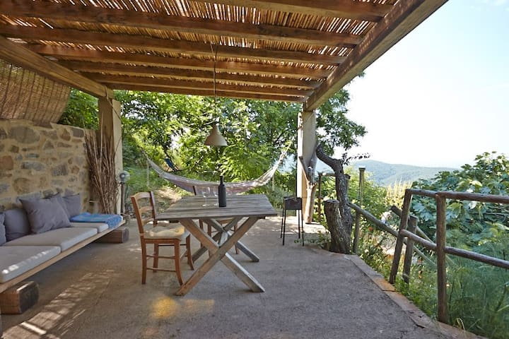 La Quercia - a natural retreat with endless views - Vetulonia - Houten huisje