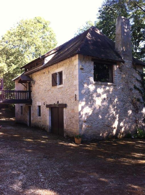 Le Moulin, vue en arrivant par Mauvières