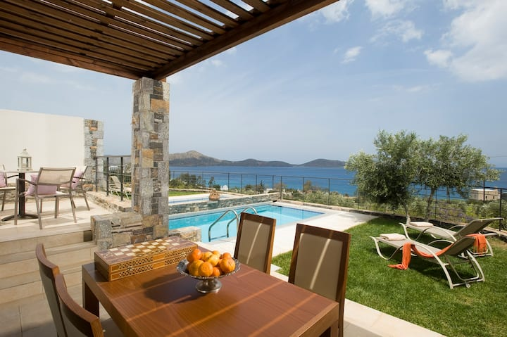 Villa Elais with private pool