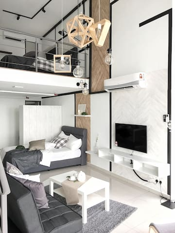 Loft unit with high speed Wifi