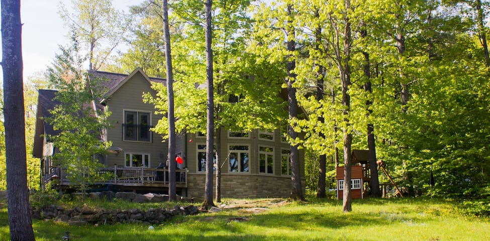 Family Cottage For Rent in Muskoka - Gravenhurst - Casa