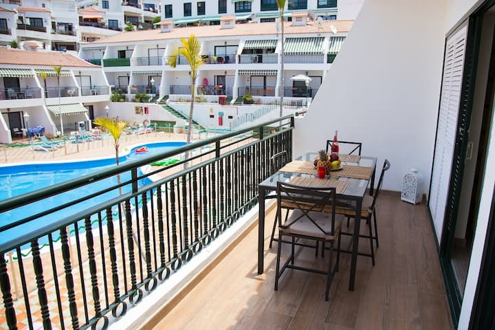 PaulMarieApartments in the heart of Los Cristianos