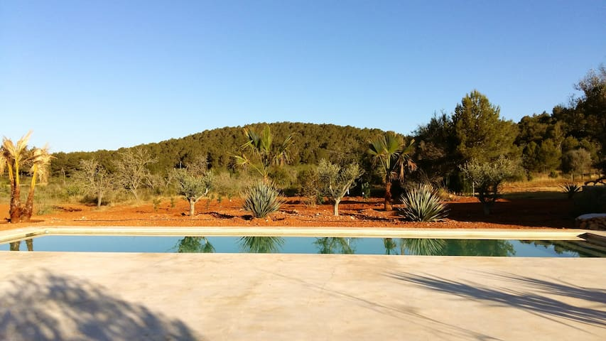PRIVATE STUDIO WITH LARGE POOL - IBIZA , Sant Mateu d'Albarca - House