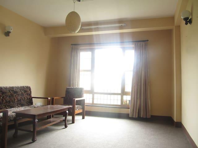 Sunny, Quiet Soho apartment