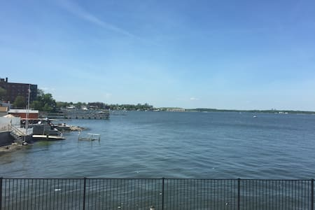 Cozy room water view 30 min from NY - Bronx
