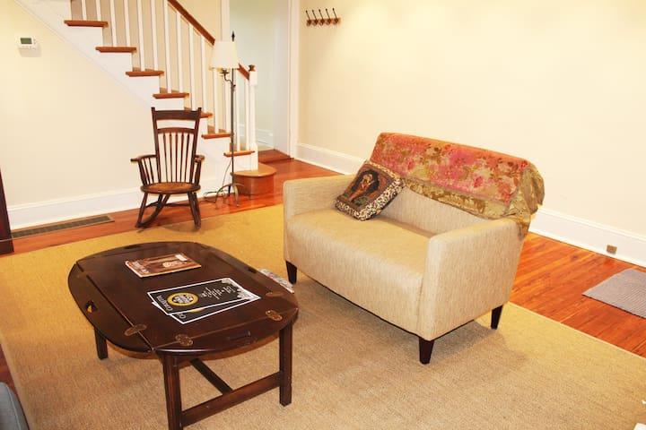 3 Bedroom  Family Friendly Retreat Best Spot