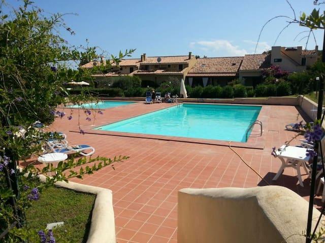 Residence con piscina a P. Ottiolu - Porto Ottiolu - Haus