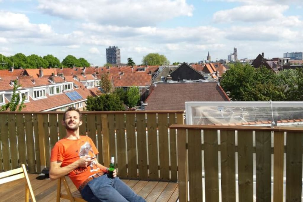 Rooftop terrace: all day sun!