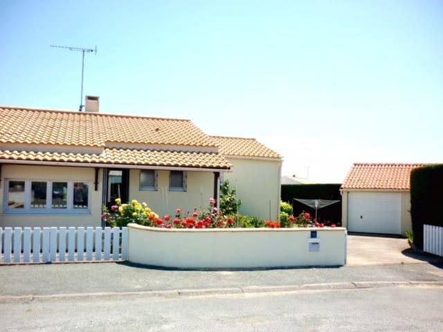 Très jolie maison de bord de mer - Bretignolles-sur-Mer - House