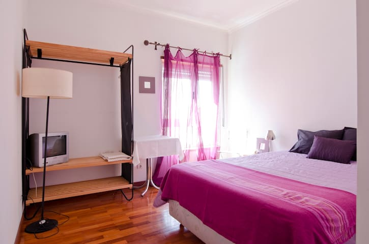 Suite close airport gare orient 24€ - Lisboa - Haus