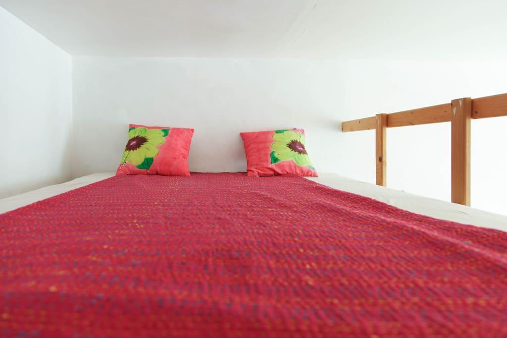 Couchage sur la mezzanine (140x190)