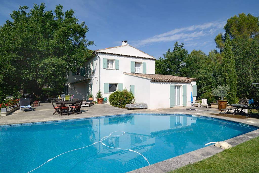 Havre de paix la campagne piscine houses for rent in for Piscine puy sainte reparade
