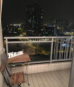 坐擁迷人醉人香港夜景,特色 apartment ,時尚高品質2房公寓 - 香港 - Apartment