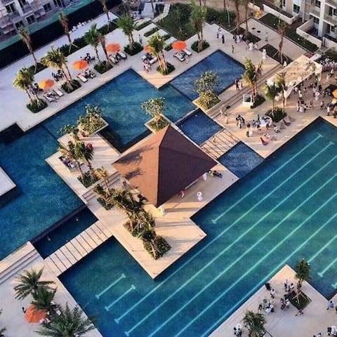 Magnificent main pool surrounded by kiddie and leisure pools
