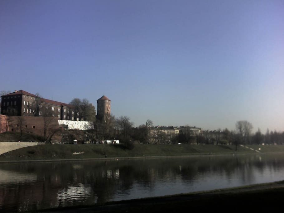 View of the Wawel Castle and the apartment (far right) from the other side of the river
