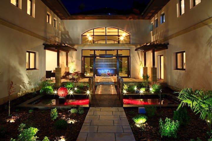 Villa Mandala Jin - Gyenesdiás - Vila