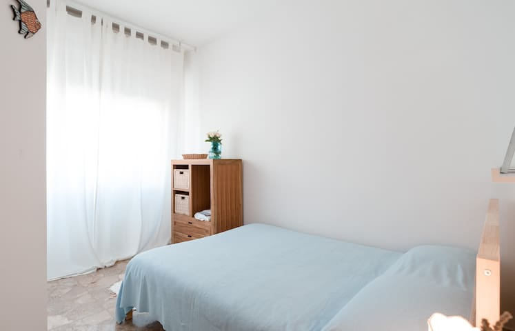 Cozy&bright room close to the beach - Marotta