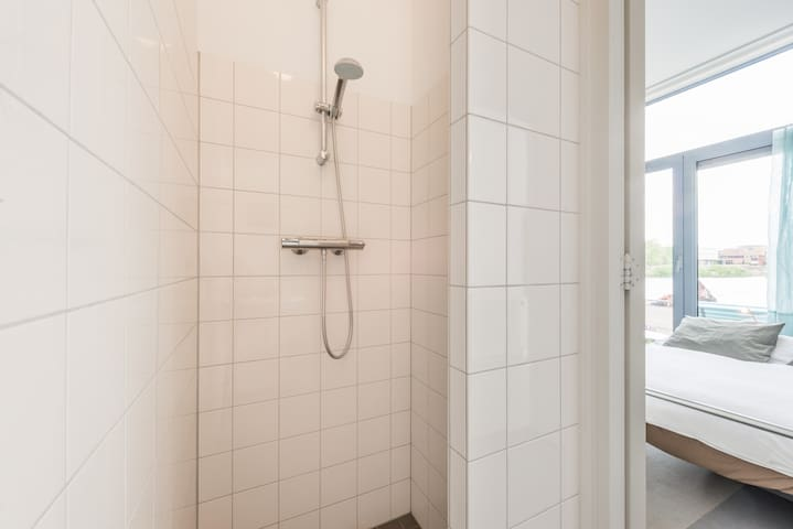 The shower, basic but it does the job!