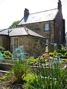 Lovely Cottage, with parking in Central Alnwick - Alnwick - Casa