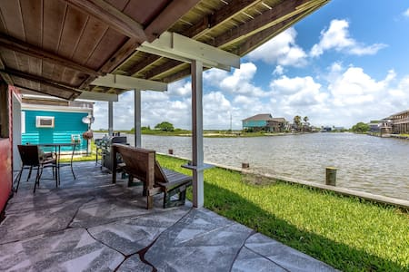 3BR/1.5BA Canal House - Hus