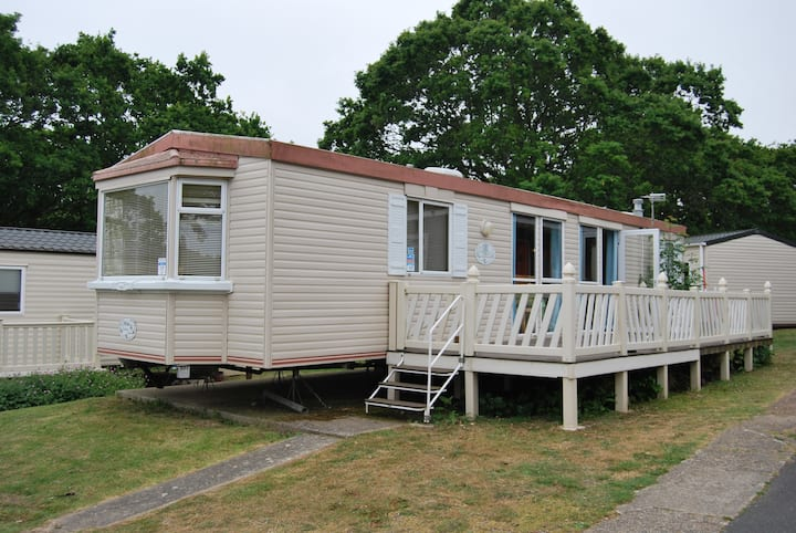 Cowes, Isle of Wight, bay view, 6 berth home