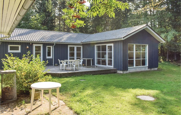Holiday cottage with 2 bedrooms on 92m² in Ebeltoft