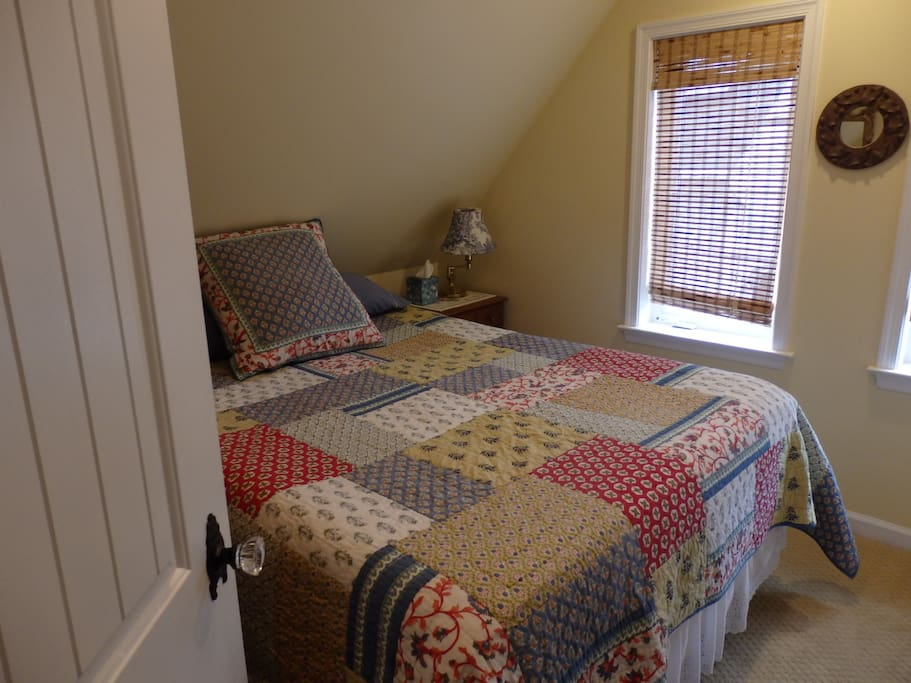 Stay!  Front bedroom with Queen-sized bed with FIRM gel memory foam mattress