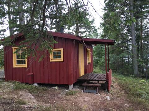 A wilderness idyll at Västgötsk forest lake