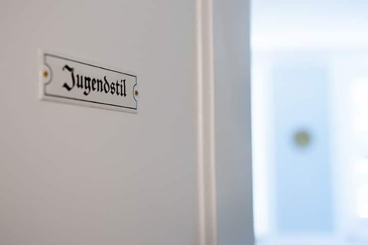 Amthof GmbH, (Oberderdingen), Jugendstil - Doppelzimmer mit WC und Dusche