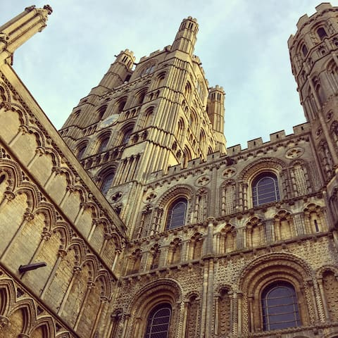 Room + Breakfast near Ely Cathedral - Ely - Casa