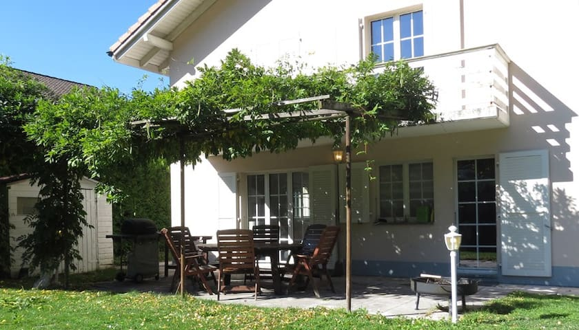 Family Villa with Garden - Middle in the Alps