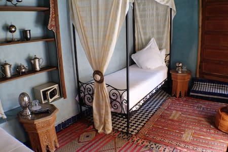2 Single Beds Room, Riad With Pool & Free Parking