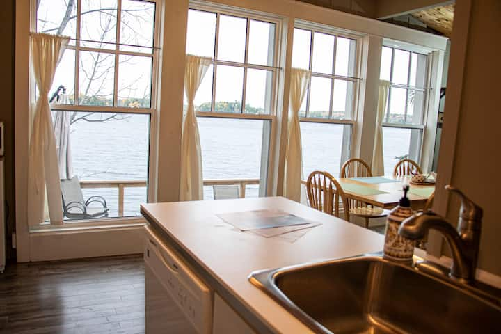 The Gathering Spot 6 bedroom 2 bath. On the water