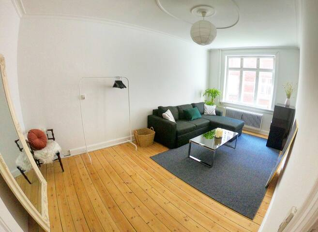Bright & Spacious Room 2 Min from Hellerup Station