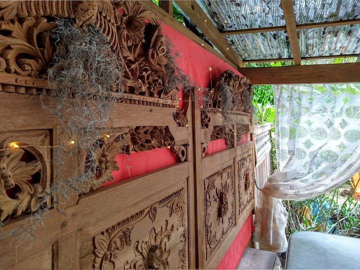$100 OFF Je T'adore Romantic Cottage in EAV