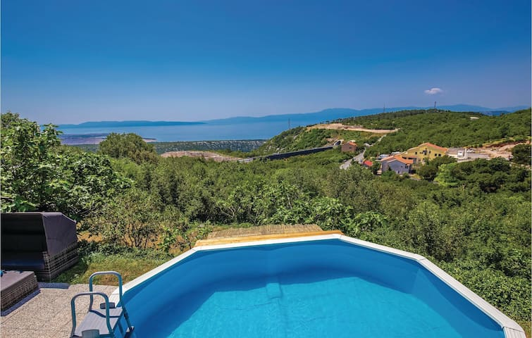 Holiday cottage with 3 bedrooms on 125m² in Hreljin