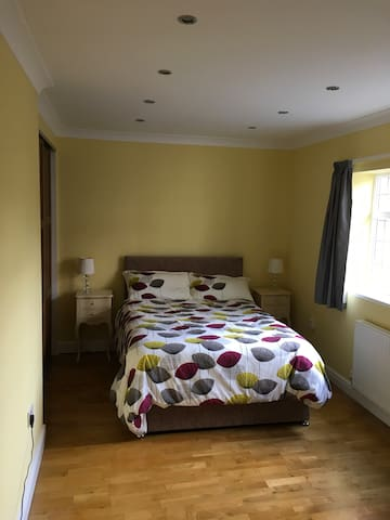 Town Centre, self-contained suite with parking.