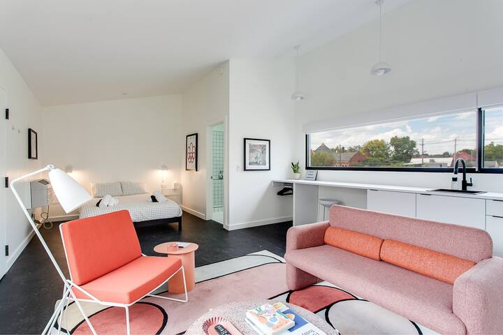 UPSTAIRS–Contemporary Architecture & Art, SUITE B