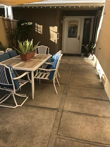 Quiet and Woodsy Laguna Hills Townhome