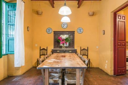 Casa Claverinos