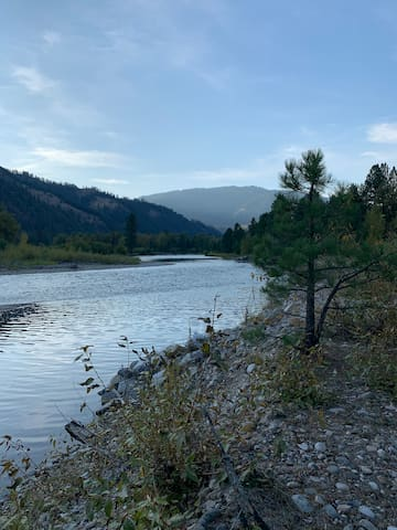 South Fork Payette River Front Retreat