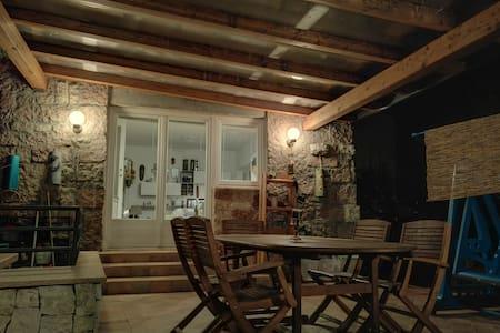 Appartamento con veranda e giardino - Trento