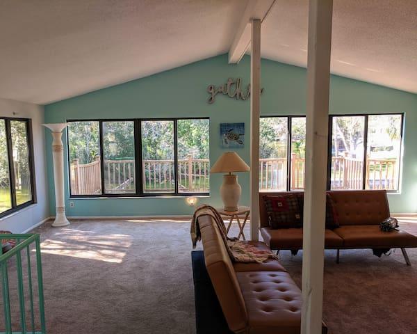 Clean & updated Weeki Wachee River front home