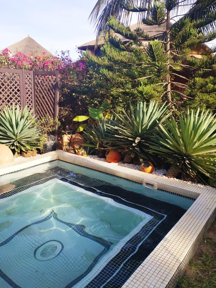 Haus mit 3 Schlafzimmern in Nianing mit Pool, eingezäuntem Garten und W-LAN